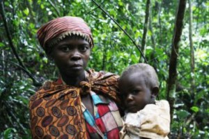 A Batwa woman and her child in Bwindi Impenetrable Forest National Park, Uganda. Credit: George Perry